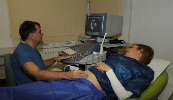 Kıbrıslı Türk doktor ve ekibi bir ilke imza attı