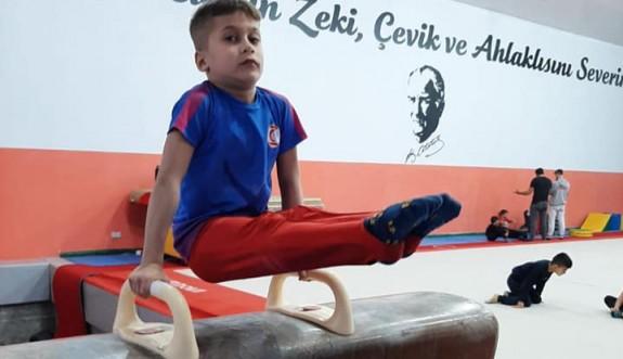 Lefkoşalı cimnastikçiler gelişiyor