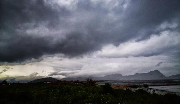 Meteorolojiden şiddetli yağış ve fırtına uyarısı