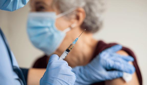 Önümüzdeki hafta 20 bin doz Sinovac aşısı daha geliyor