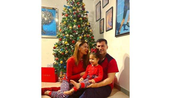 Özgürgün ailesinden yeni yıl pozları