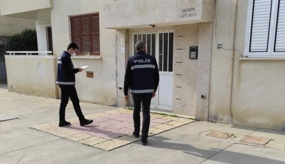 Polis, ev karantinasına uyulup uyulmadığını denetliyor
