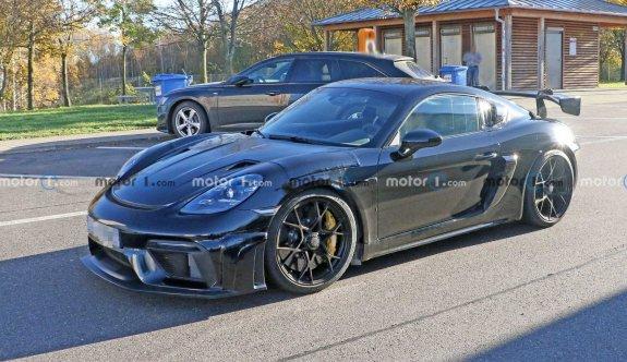 Porsche 718 Cayman GT4 RS diğerlerine göre daha hırçın