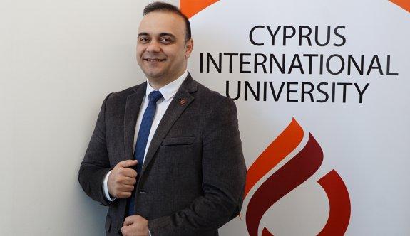 """UKÜ'de """"Mühendislikte Yapay Zekâ Uygulamaları"""" ele alındı"""