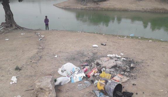 Vandallar, Hamitköy Barajı'nı çöplük etti