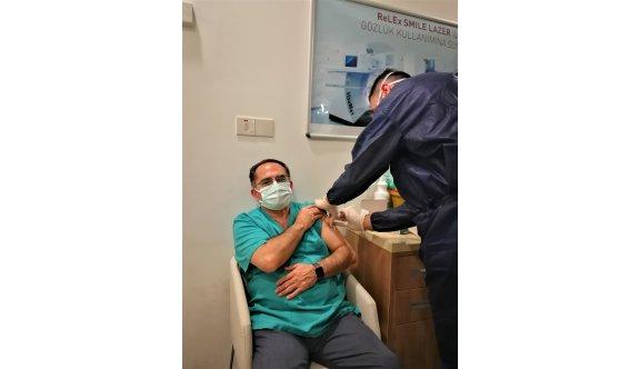 YDÜ Hastanesi ve Dr. Suat Günsel Girne Üniversitesi Hastanesi çalışanları aşılandı
