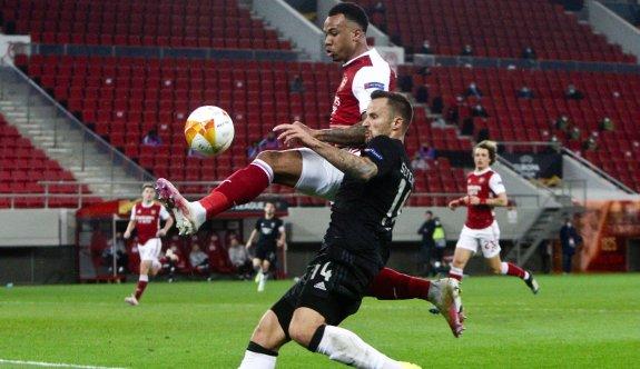 Arsenal, Aubameyang'la turladı
