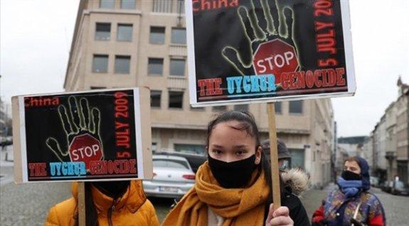 """Belçika Parlamentosunda Çin'in Uygurlara Yönelık Uygulamalarının """"Soykırım"""" Olarak Tanınması İstendi"""