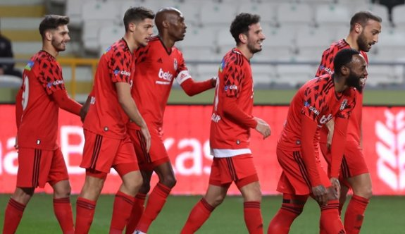 Beşiktaş, penaltılarla yarı finalde