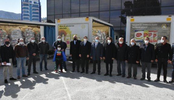 Falyalı kardeşler 10 bin gıda paketini Girne Belediyesi'ne teslim etti
