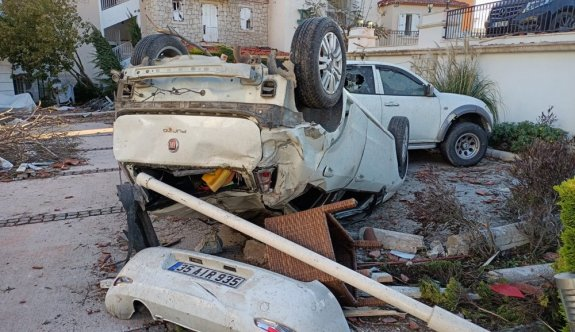 İzmir'i hortum ve dolu vurdu