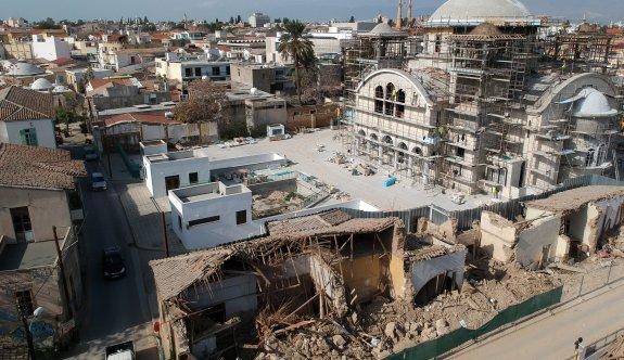 Lefkoşa Rum Belediyesi, Başpiskoposu cezalandırıyor