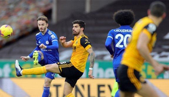Leicester City, zirve yarışında yara aldı