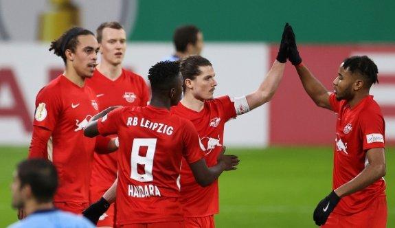 Leipzig 3 puanı 3 golle aldı