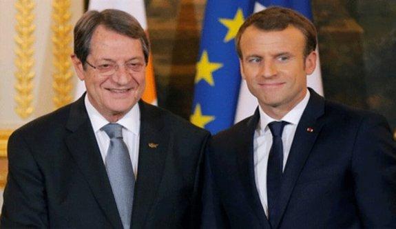 Macron ile Anastasiadis telefonda görüş alış-verişi yaptı