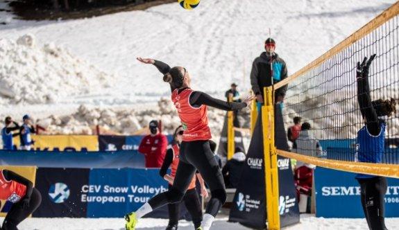 Merve'li Türkiye Avusturya'da yarı finalde