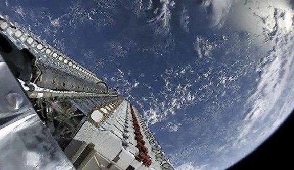 SpaceX yörüngeye 60 uydu daha gönderdi