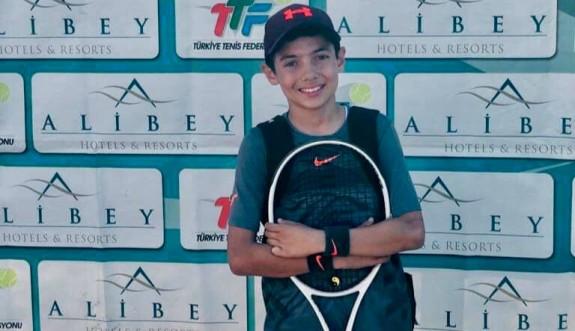 Teniste Çelik –Erin çifti birinci
