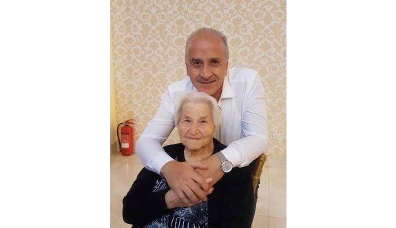 Abdullah Özsusuzlu, annesini kaybetti