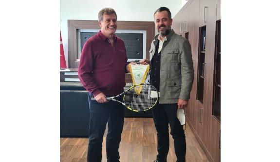 Arıklı'dan Tenis Federasyonuna destek sözü