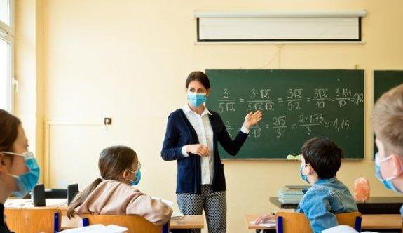 Eğitimin yüz yüze yapılması için öğretmenler aşılanmayı istiyor