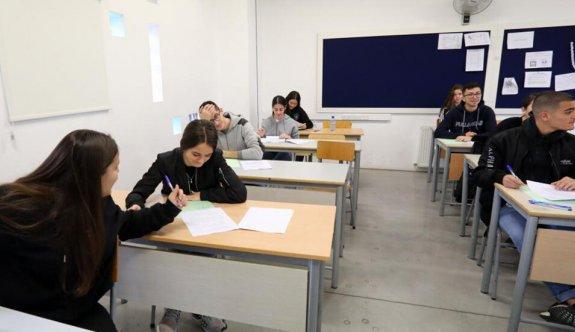 Güney Kıbrıs'taki ortaokul öğrencileri negatif test sonucuyla okullarına gidebilecek
