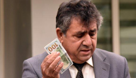 Hükümete Dolar'lı protesto
