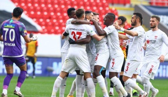 İzmir'de gol yağmurunda kazanan Sivasspor