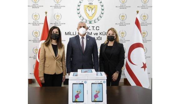 Kuzey Kıbrıs Turkcell çalışanlarından eğitime önemli destek