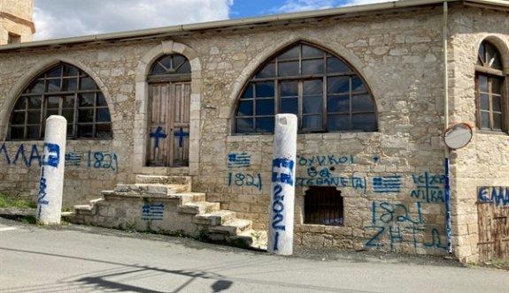 Limasol'da bir camiye çirkin saldırı