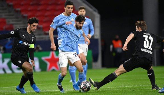 Manchester City zorlanmadan turladı