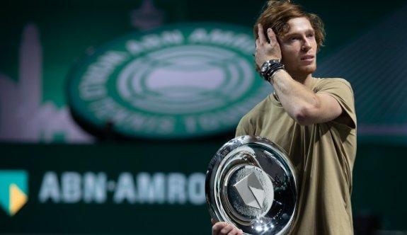 Rus tenisçi AndreyRublev tarihe geçti