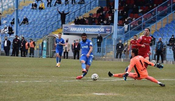 Sivrili Demirspor, galibiyeti koruyamadı