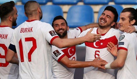 Türkiye, Norveç'i üç golle geçti