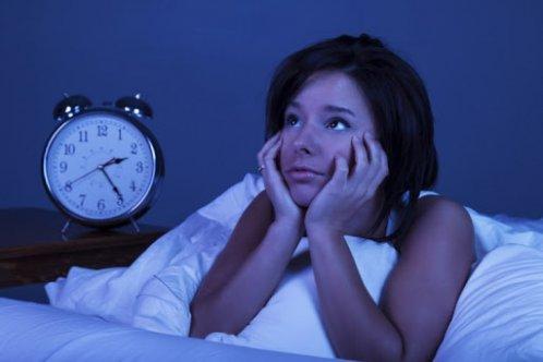 Uykunuz Bölündüğünde Tekrar Uykuya Dalabilmek İçin Yapmanız Gereken 7 Şey