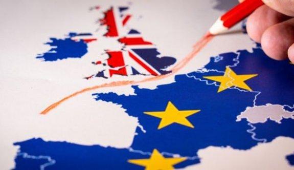 """AB, İngiltere'yi """"ticaret anlaşması"""" konusunda uyardı"""