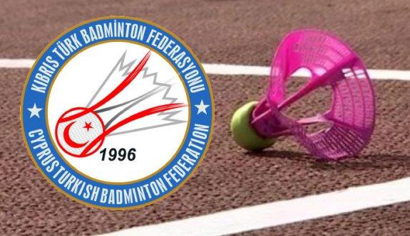 Badmintonda dışa açılım adımı