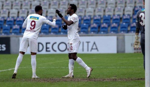 """Boupendza ve Diouf """"krallık"""" için yarışıyor"""