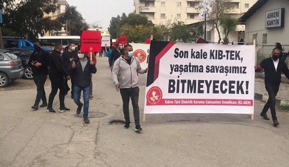 El-Sen, Ekonomi ve Enerji Bakanlığı önünde eylem yaptı