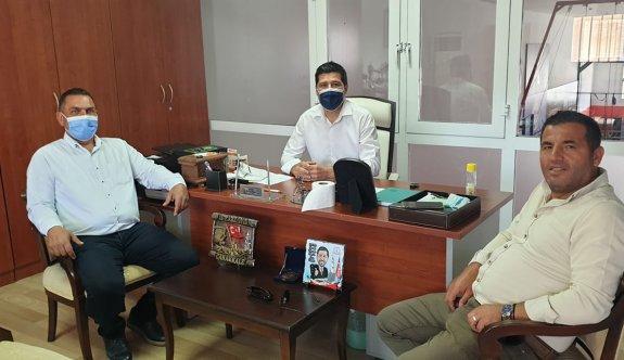 Futbol camiasından Sapsızoğlu'na hayırlı olsun ziyareti