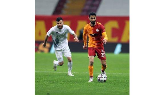 Galatasaray, Emre Akbaba'yla 3 puana uzandı