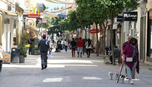 Güney Kıbrıs'ta artan vakalar nedeniyle 'okullar altüst'