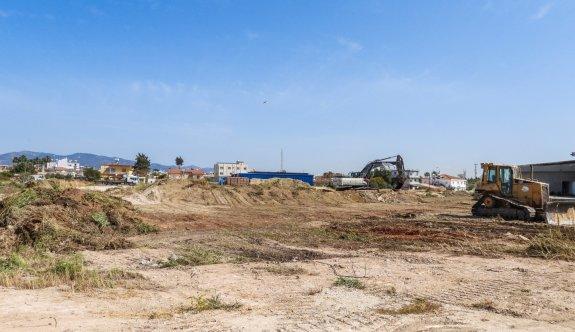 İskele Belediyesi, kapalı pazar yeri ve terminal alanı inşaatına başlandı