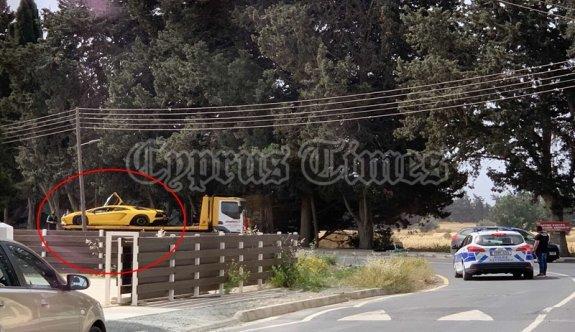 """""""Meneu"""" köyü yakınlarında aracı içinde öldürüldü"""