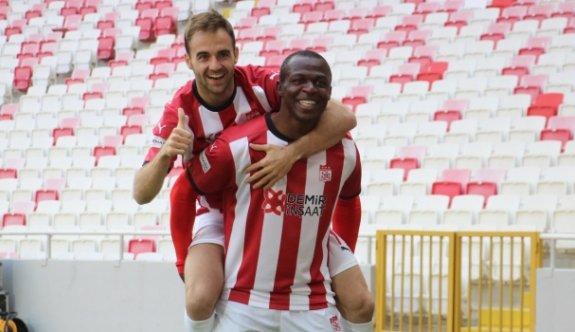 Sivasspor 3 puanı tek golle aldı
