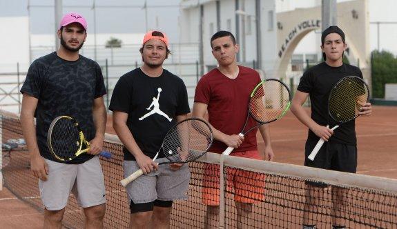 Tenis keyfi devam ediyor