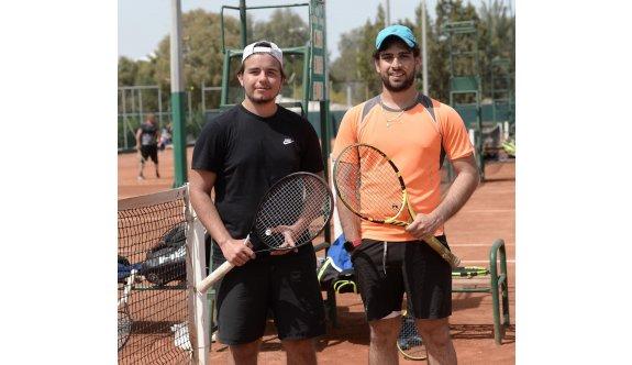 Teniste kesintisiz heyecan