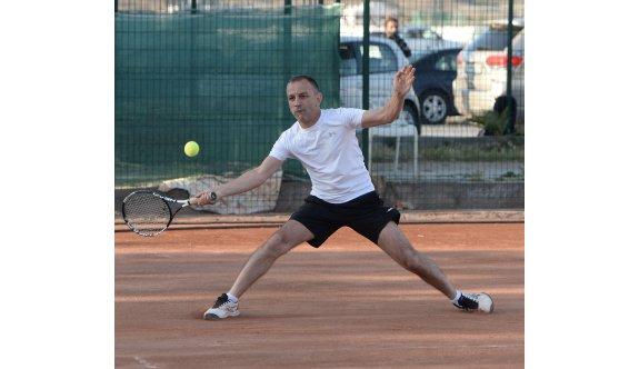 Teniste yarı final heyecanı yaşanacak