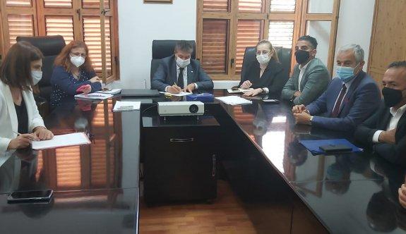 Üstel, Belediye başkanlarıyla görüştü