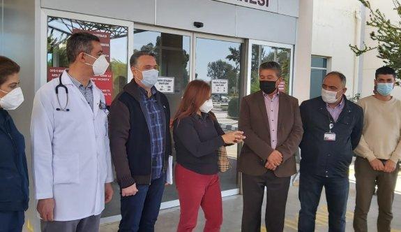 Üstel, Gazimağusa Devlet Hastanesi ve Geçitkale Sağlık Merkezi'ni ziyaret etti